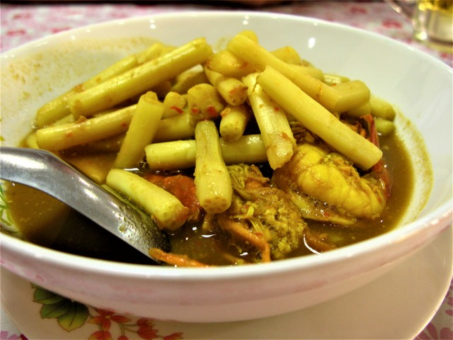 Sour yellow curry at Krua Apsorn: Thai food: Thai food